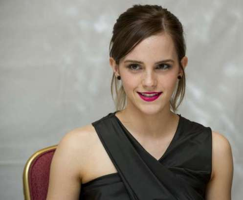 pk im farimont royal oak hoteltoronto 2012: emma watson bei einem fototermin im farimont royal oak hotel in toronto im rahmen des toronot international film festival   070912***toronto 2012: photocall at the farimont royal oak hotel in toronto during the