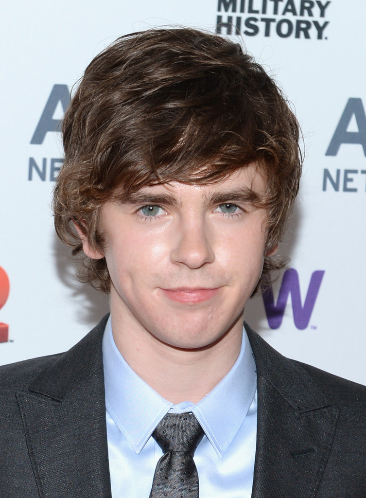 freddie highmore - photo #27