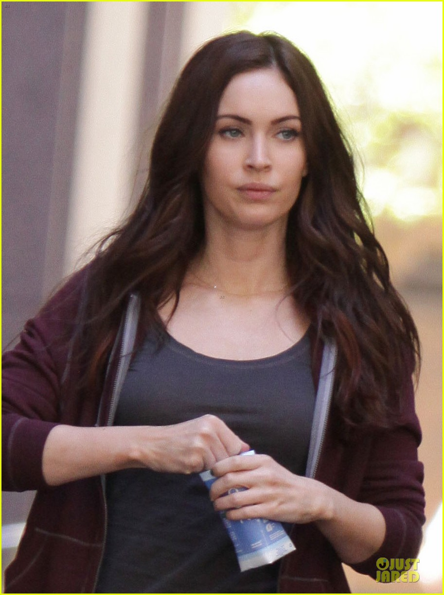 Https Thelesfilms Wordpress Com 2013 05 05 Megan Fox Spotted On Ninja Turtles Set In Nyc